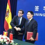España y China subscriben un Protocolo de exportación de melocotones y ciruelas